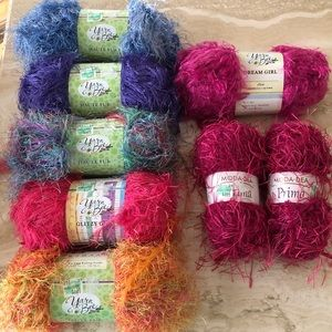 Yarn Bee Other - NEW 8pc Yarn Assortment